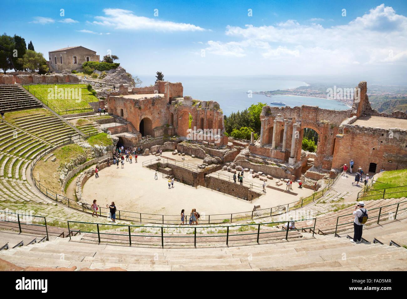 Il Teatro Greco di Taormina, Sicilia, Italia Immagini Stock