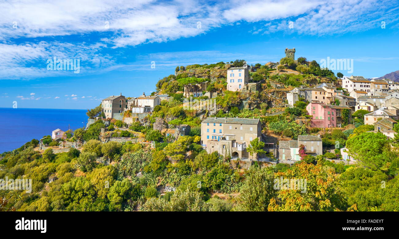Nonza, piccolo villaggio di montagna, Cap Corse, Corsica, Francia Immagini Stock