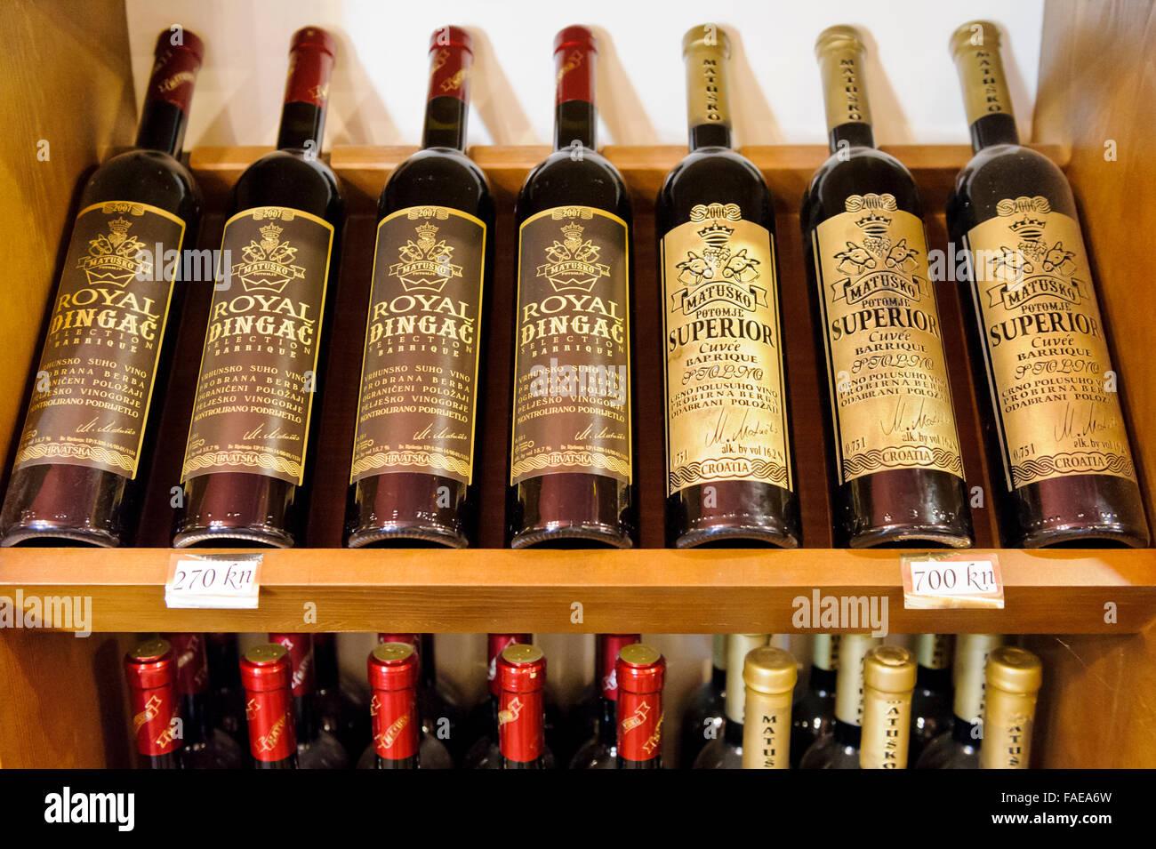 Scaffale vino wine producers in moncalvo at monferrato