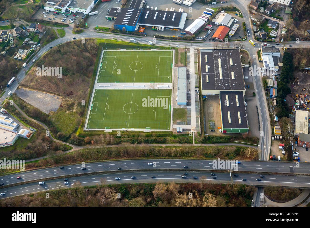 Vista aerea, campi sportivi, di allenamento per il calcio piazzole, tappeto erboso artificiale impianto sportivo Immagini Stock