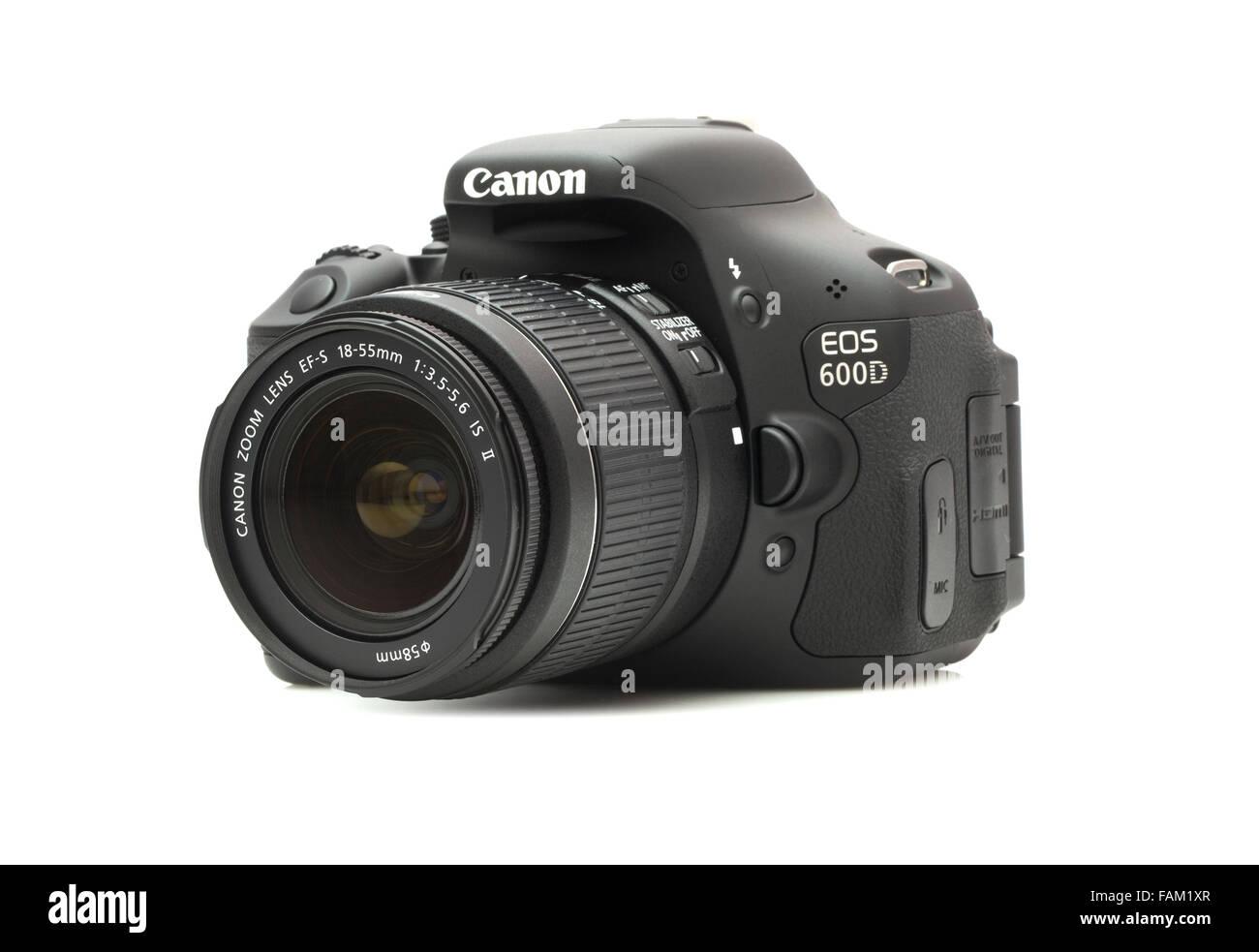 Canon 600D fotocamera reflex digitale su sfondo bianco Immagini Stock
