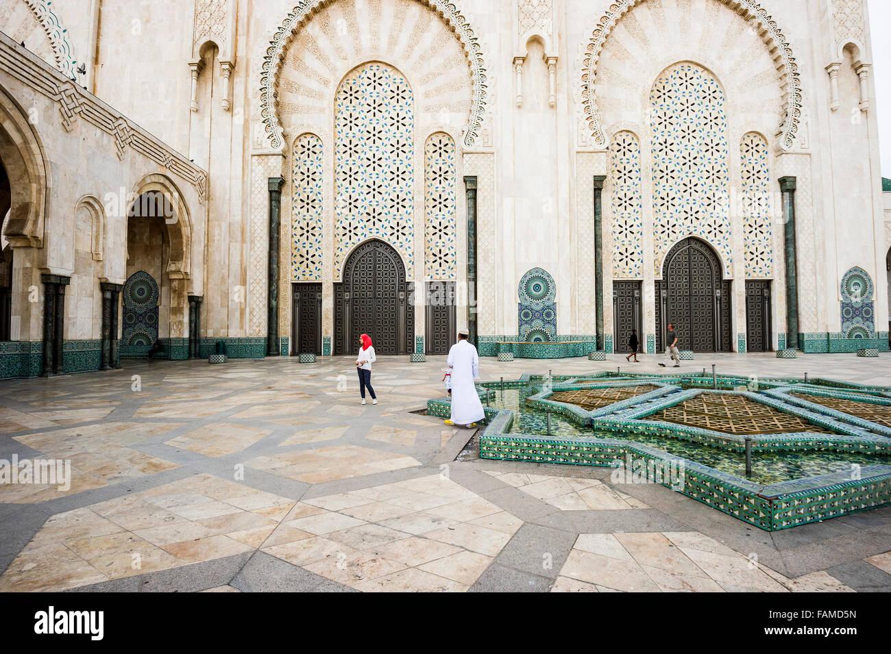 Il Cortile della moschea di Hassan II, Casablanca, Marocco Immagini Stock