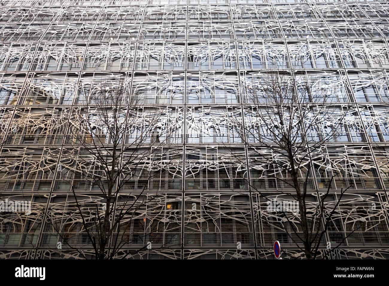 Decorazione in metallo in stile Art Nouveau, sulla costruzione di Ministero della Cultura e della comunicazione, Parigi, Francia. Foto Stock