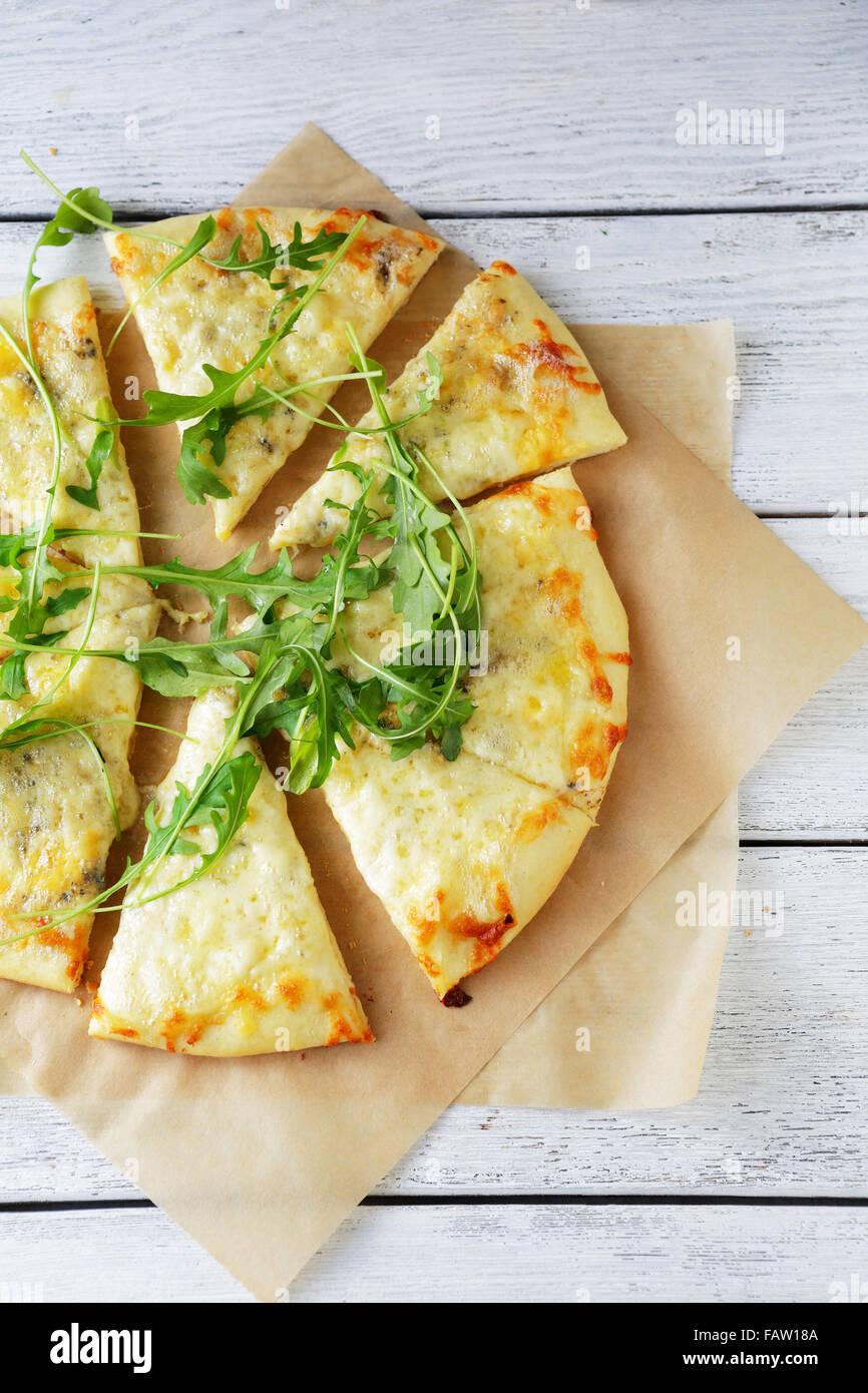 Formaggi trancio di pizza vista superiore Immagini Stock