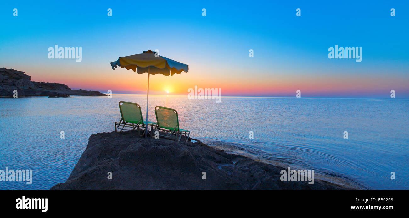 Sunrise in Kalithea Baia nell' isola di Rodi, Grecia Immagini Stock