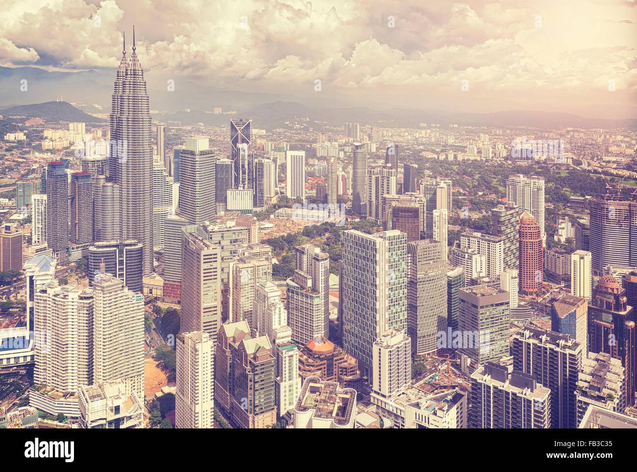 Vintage foto stilizzata dello skyline di Kuala Lumpur, Malesia. Immagini Stock
