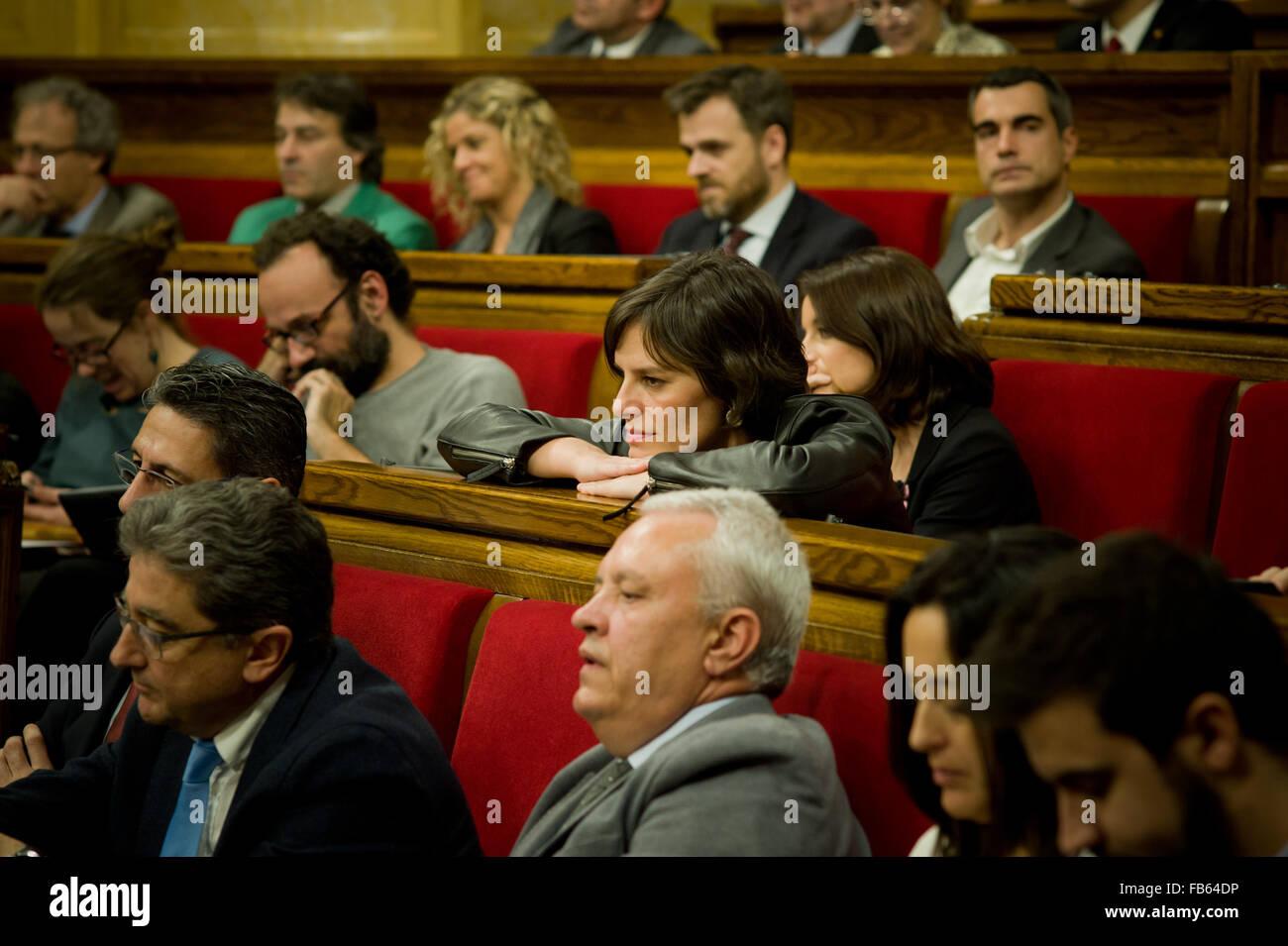Barcellona, Spagna. Il 10 gennaio, 2016. Esperanza Garcia (C) di PP (Partido Popular) partito è visto in catalano Immagini Stock