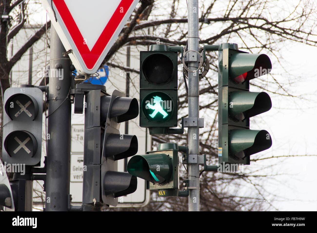 Semaforo, città, luce verde, street, caotico, caos, triangolo Immagini Stock