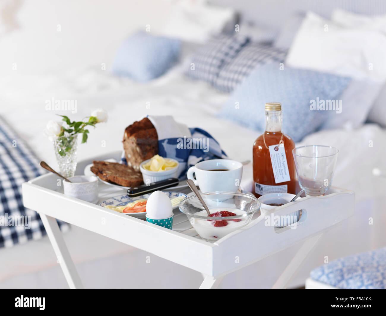 Tavoli Per Colazione A Letto : La svezia tavolo per la colazione in camera da letto foto
