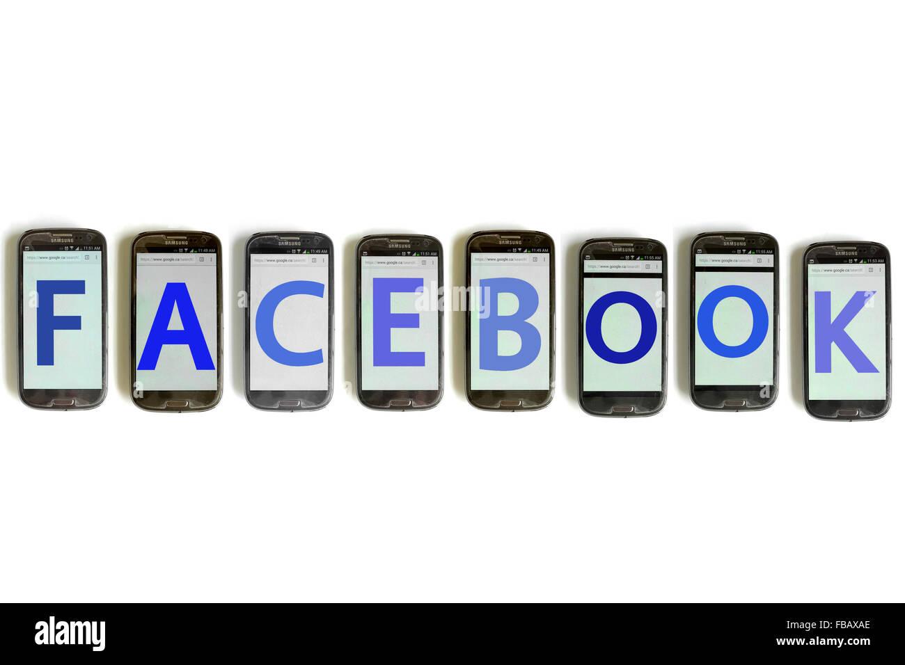 Facebook Sillabato Su Telefono Cellulare Schermate Fotografati