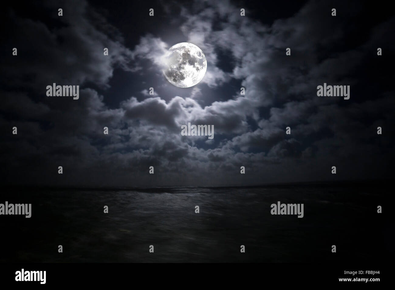 Luna Piena Riflette Sul Mare Del Nord Foto Immagine Stock