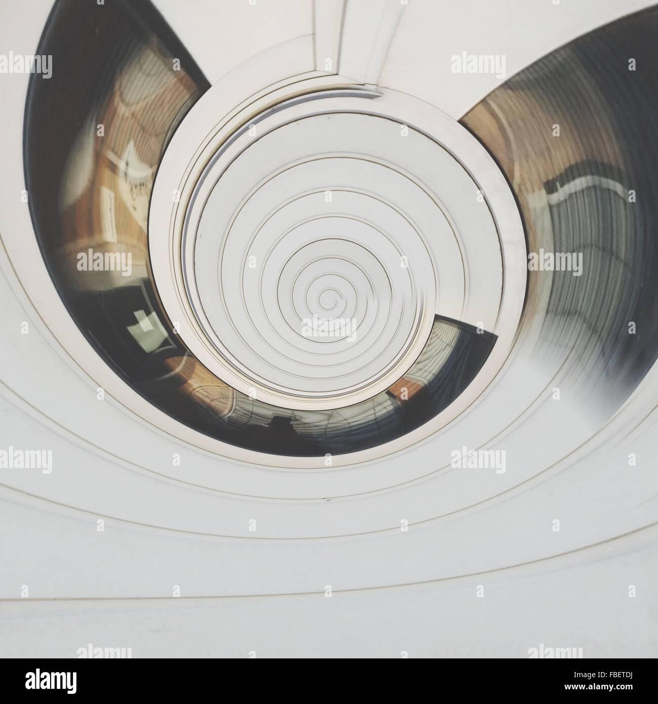 Composito Digitale della spirale astratto modello bianco Immagini Stock