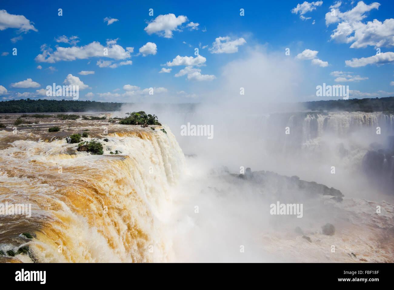 Iguassu Falls, sul confine di Argentina e Brasile. Immagini Stock
