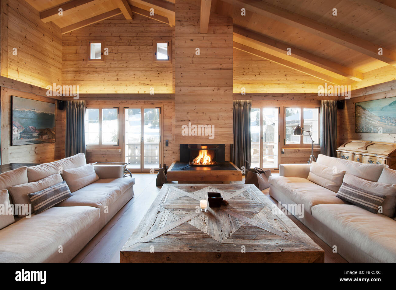 Chalet; Gstaad; soggiorno; gli interni; Svizzera; architettura ...