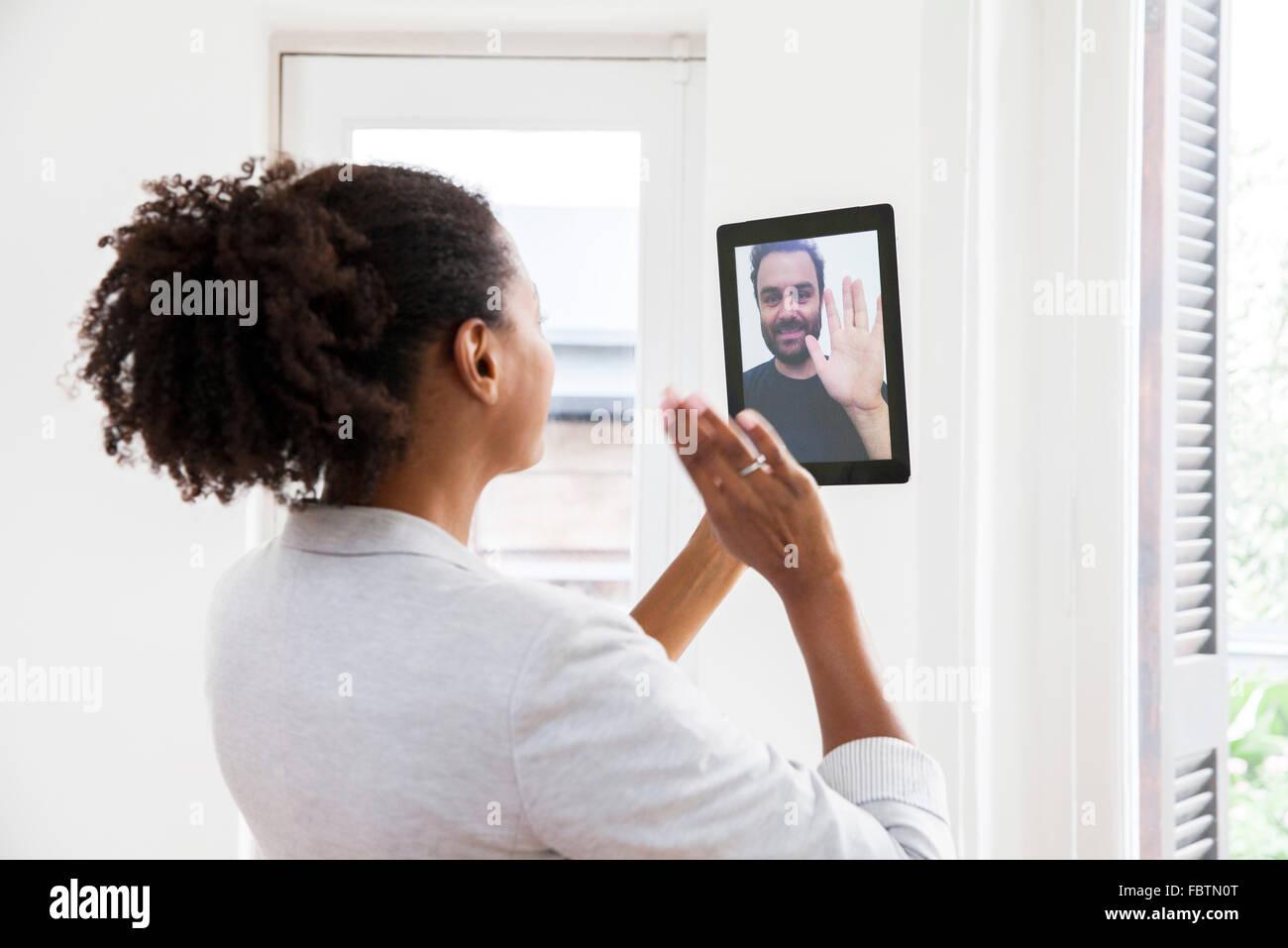 Paio di fare chat video Immagini Stock