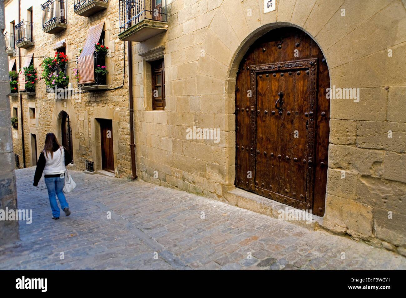 Provincia di Zaragoza, Aragona, Spagna: Sos del Rey Católico. Fernando el Católico Street. Cinco Villas. Foto Stock