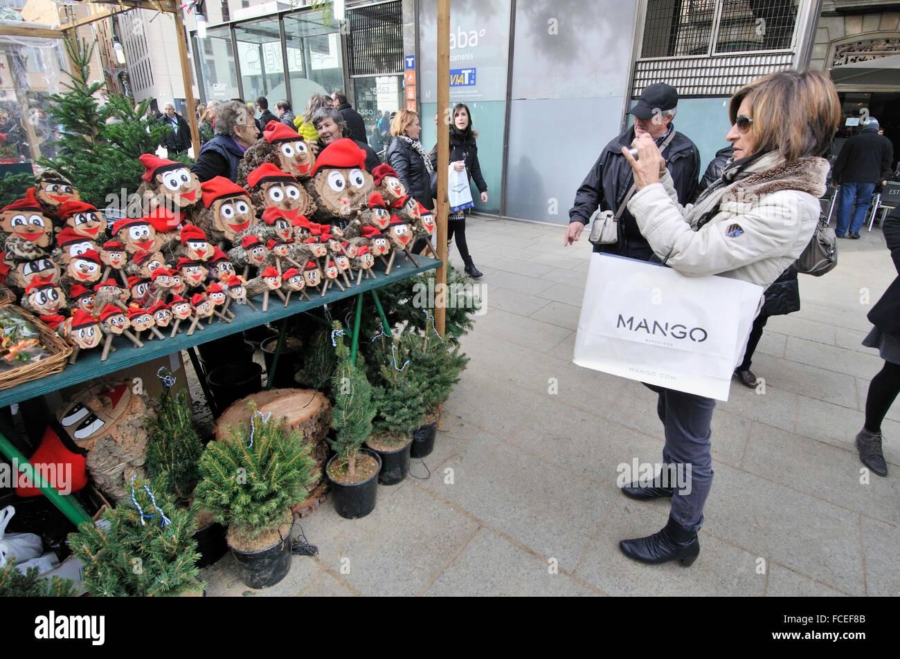 I registri di Natale mitologico relative ad una tradizione di Natale in Catalogna per la vendita in fiera. Fira Immagini Stock