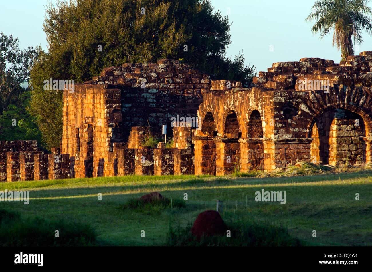 Abitazione chiostri, Missione Gesuita di La Santísima Trinidad de Paraná rovine, Encarnacion, Paraguay Immagini Stock