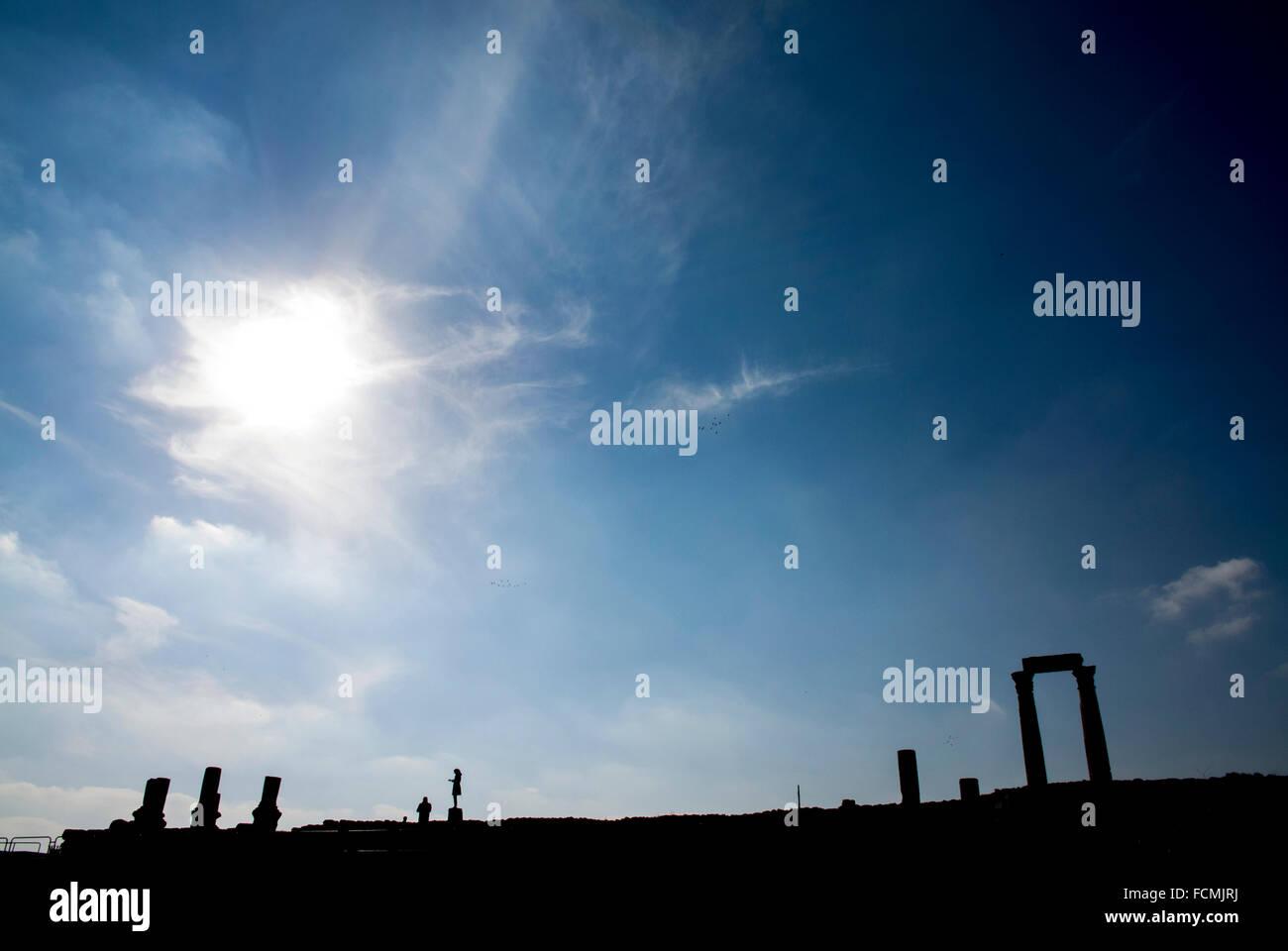Il Tempio di Ercole in silhouette della cittadella, Amman, Giordania. Immagini Stock