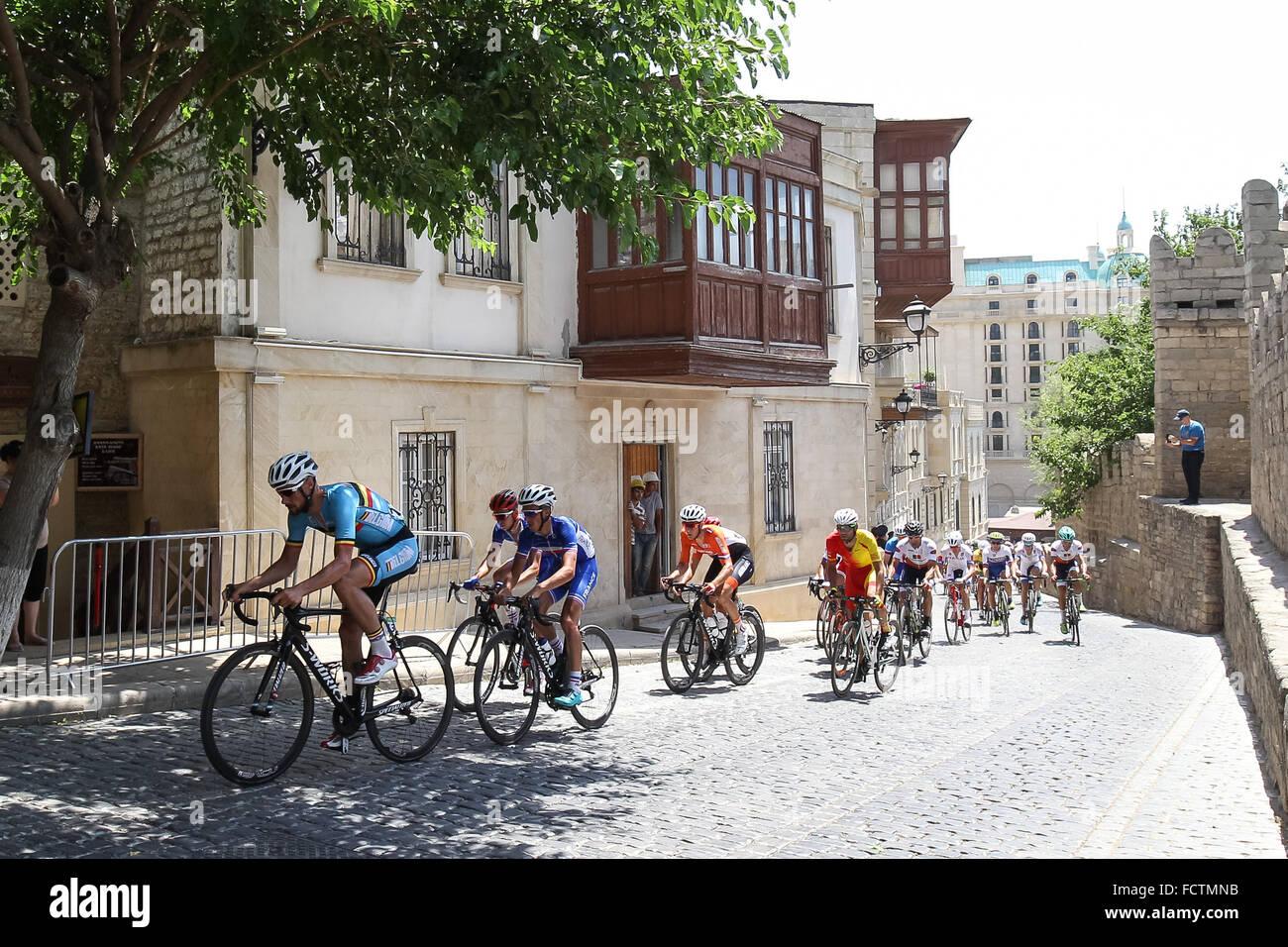 Uomini la gara su strada ciclismo. La città vecchia. Baku2015. 1° European Games. Baku. Azerbaigian. 21/06/2015 Foto Stock