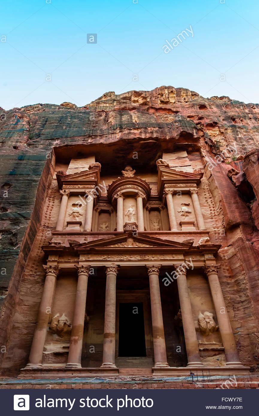 Il monumento del Tesoro (Al-Khazneh), Petra sito archeologico (un sito Patrimonio Mondiale dell'UNESCO), Giordania. Immagini Stock