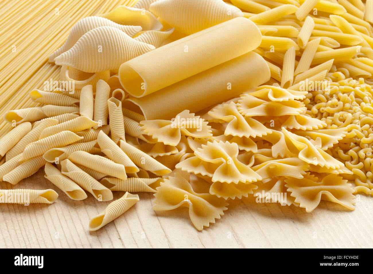 Varietà di tradizionali piatti di pasta italiana Immagini Stock