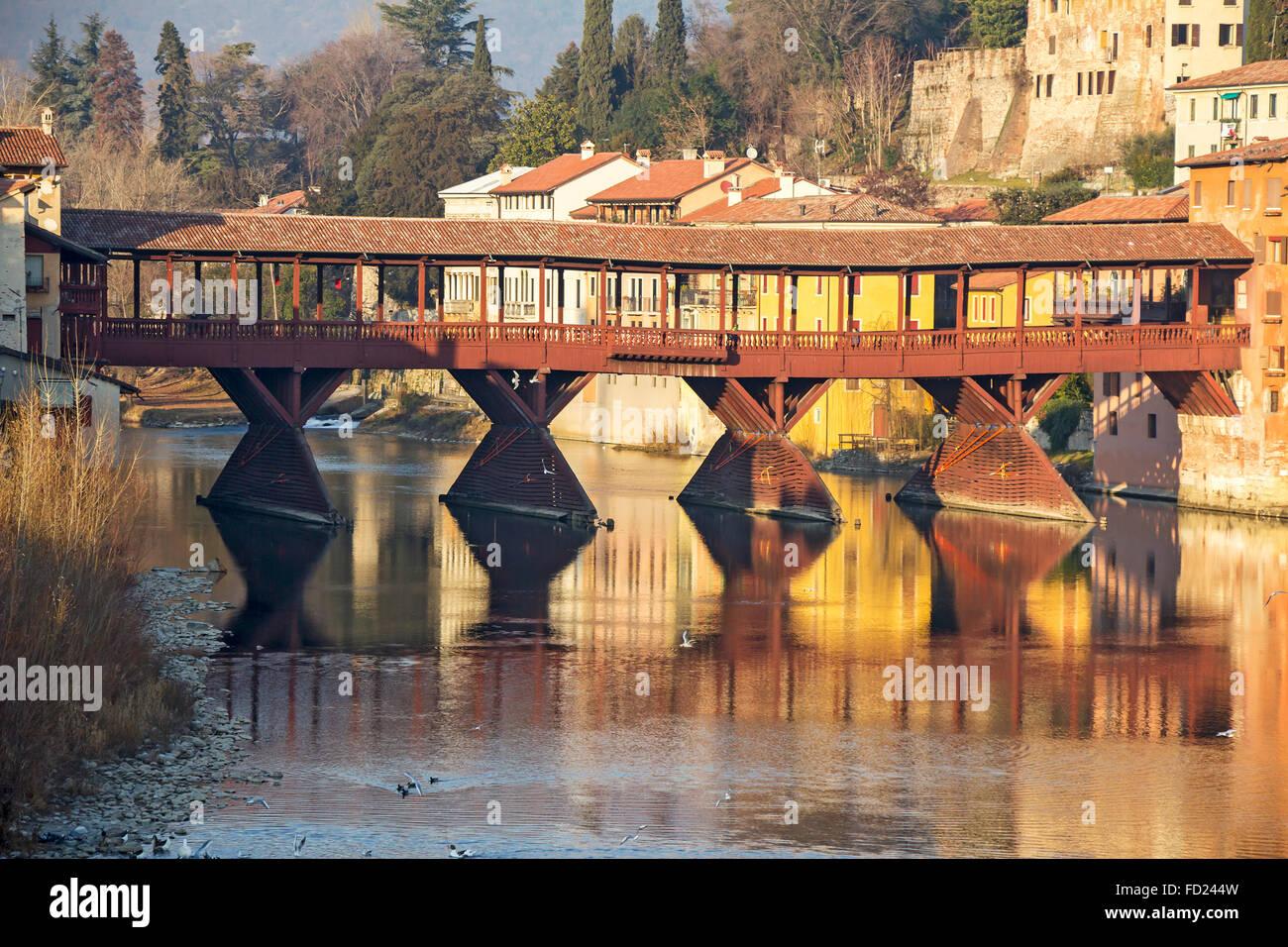 Ponte Del Legno.Famoso Vecchio Ponte Di Legno Ponte Vecchio Nel Villaggio
