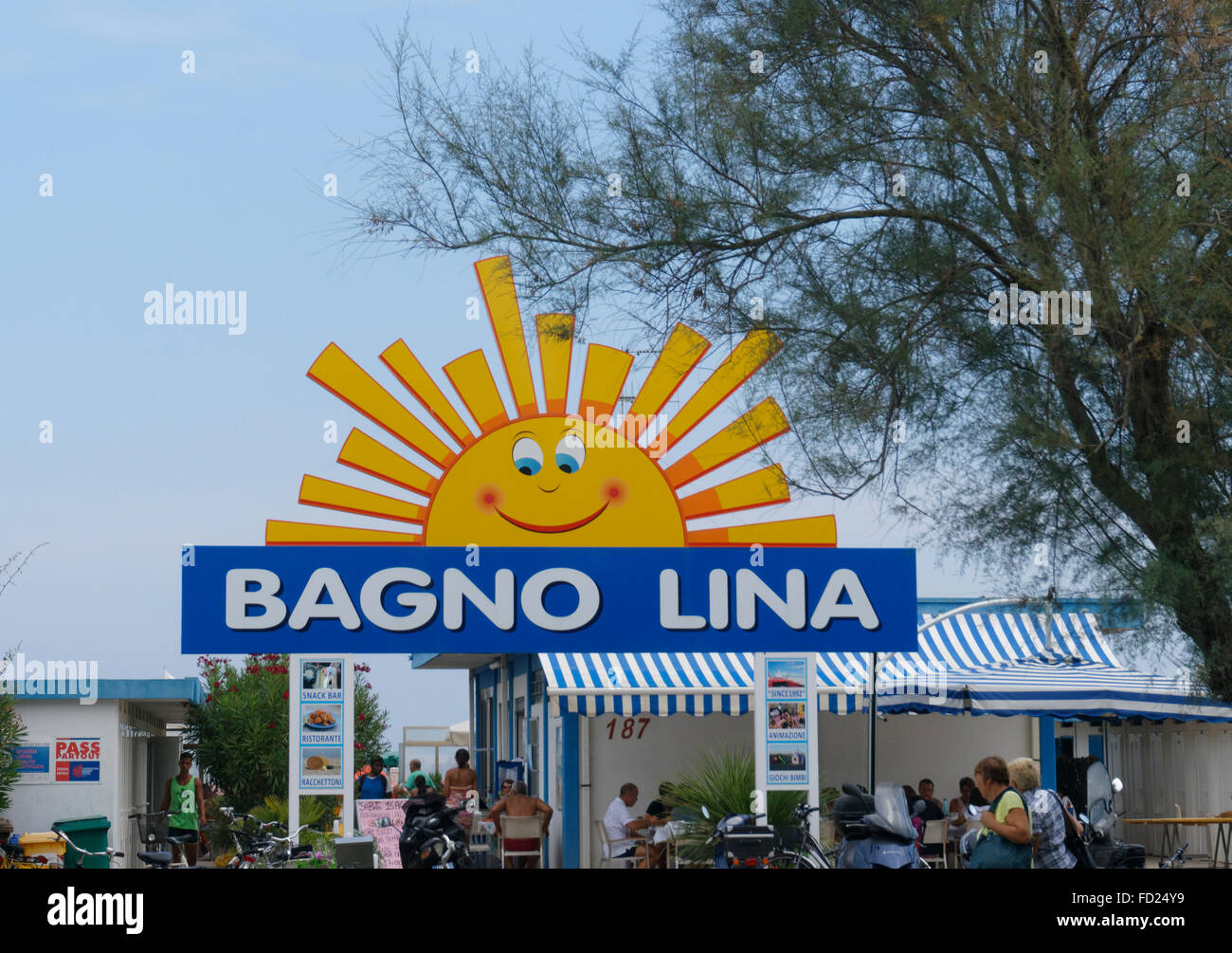 Cervia beach immagini cervia beach fotos stock alamy - Bagno palm beach pinarella ...