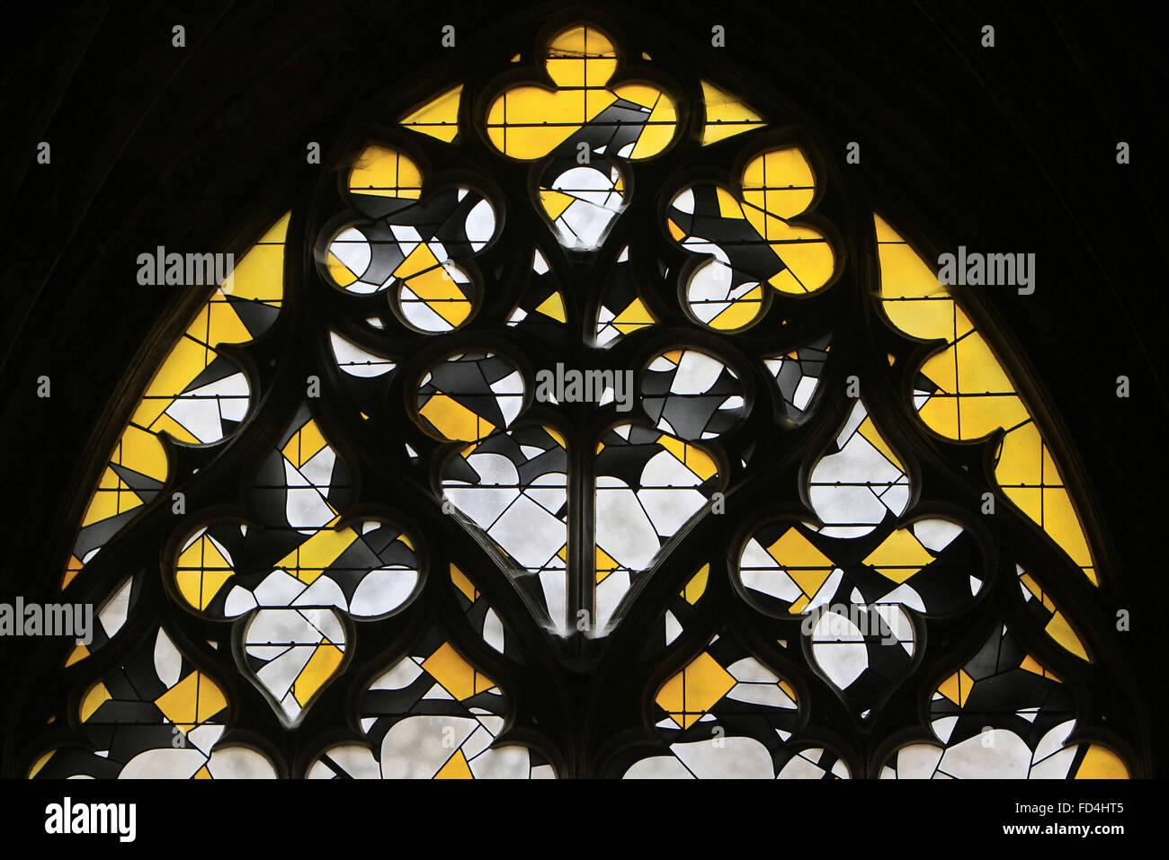 Giallo contemporaneo delle vetrate colorate. Immagini Stock