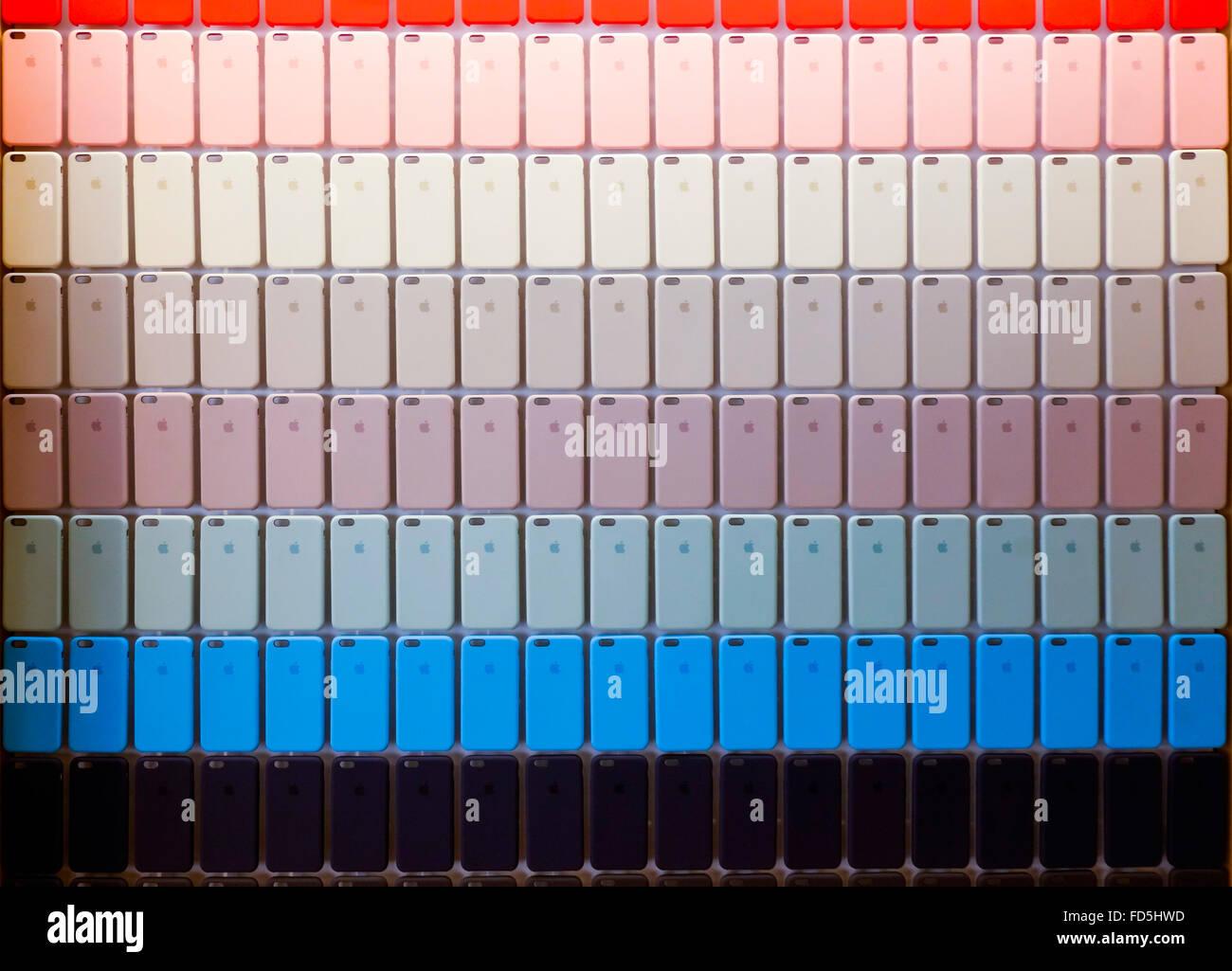 Colorato Colorato Display Di Iphone S Visualizzato Nel Negozio Come