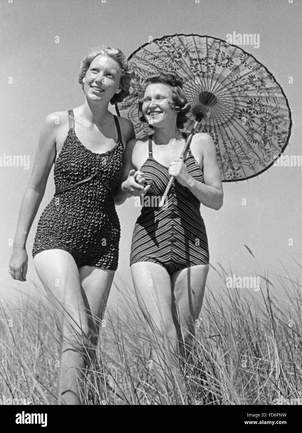 costumi da bagno degli anni \' 30 Foto & Immagine Stock: 94191941 - Alamy
