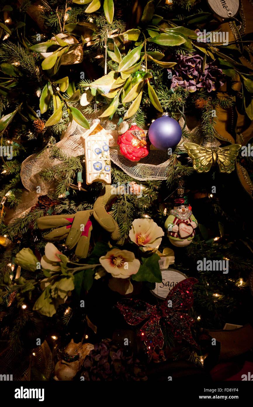 Immagini Natale Usa.Close Up Di Ornamenti Natale Su Albero Usa Foto Immagine Stock