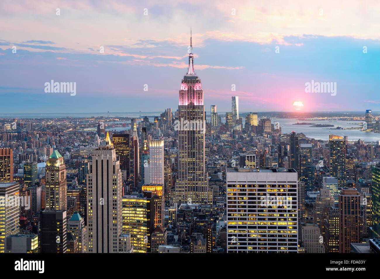New York skyline della città con Empire State Building Immagini Stock