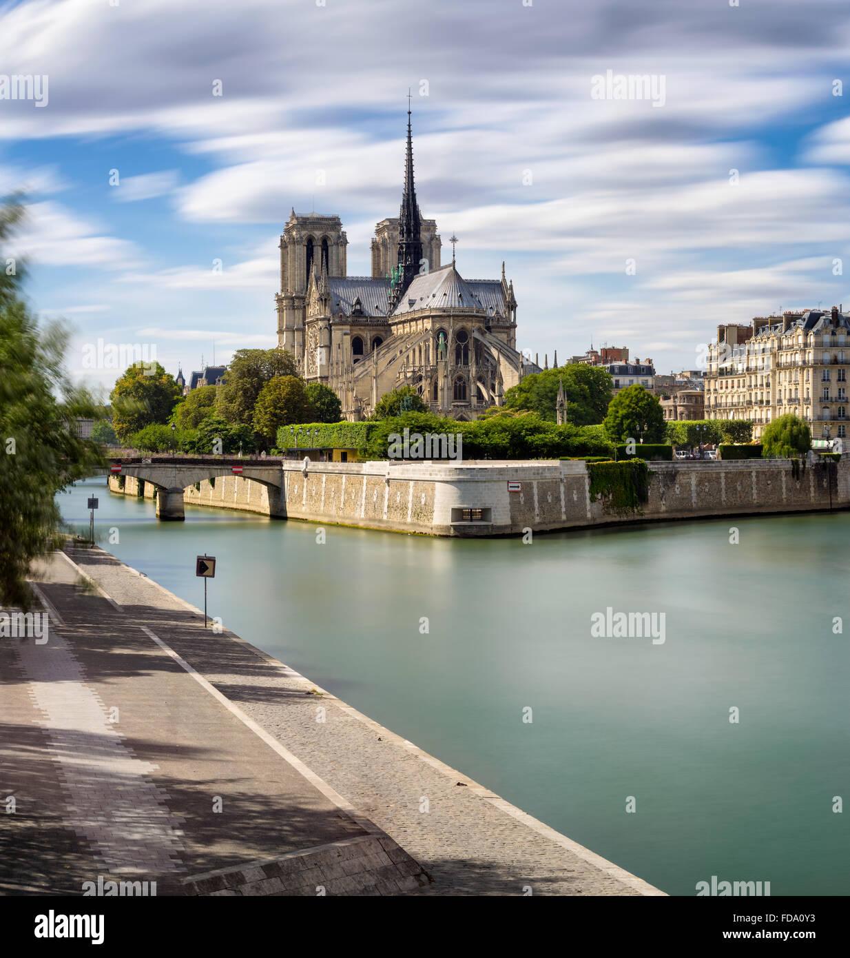 La cattedrale di Notre Dame (architettura Gotica Francese) e il Fiume Senna su Ile de la Cite (4° arrondissement), Immagini Stock