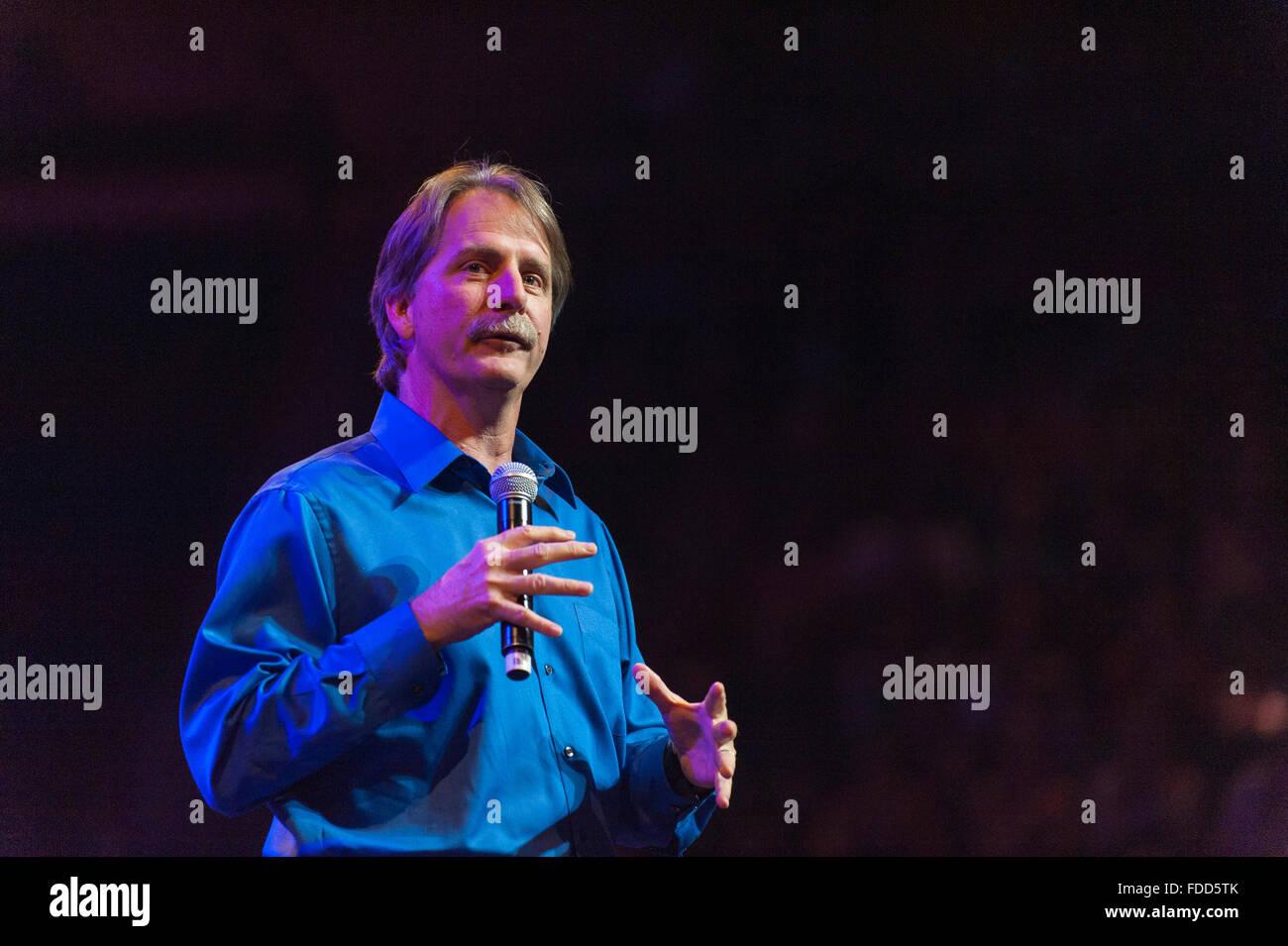 La televisione americana personalità e collare blu comico Jeff Foxworthy sul palco. Immagini Stock