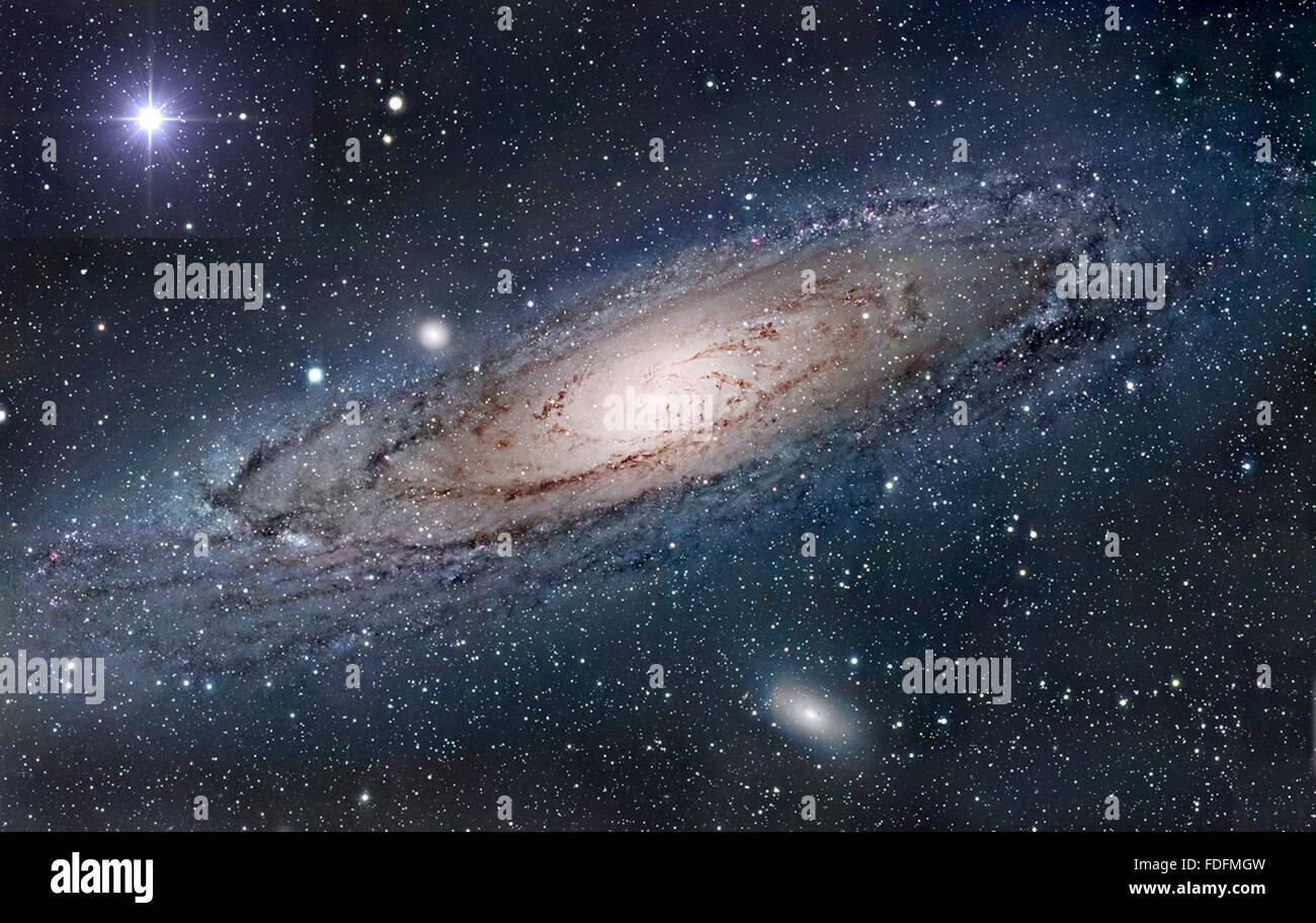 Immagine della NASA galassia di Andromeda con la stella della sera Immagini Stock