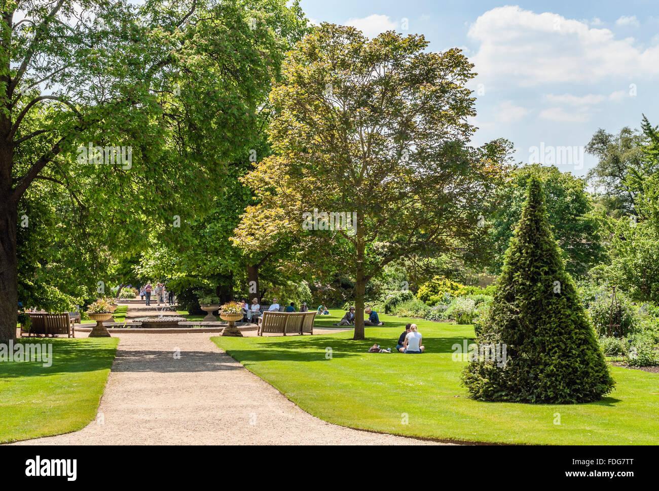Presso l'Università Giardini Botanici presso la città di Oxford, England, Regno Unito | Università Immagini Stock