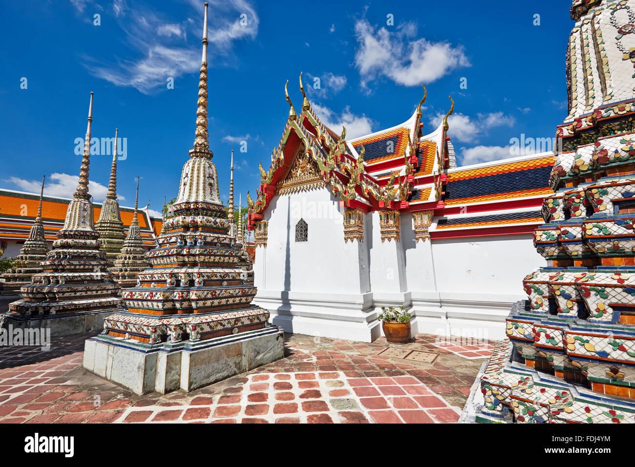 Pagode del Wat Pho tempio di Bangkok, Tailandia. Immagini Stock