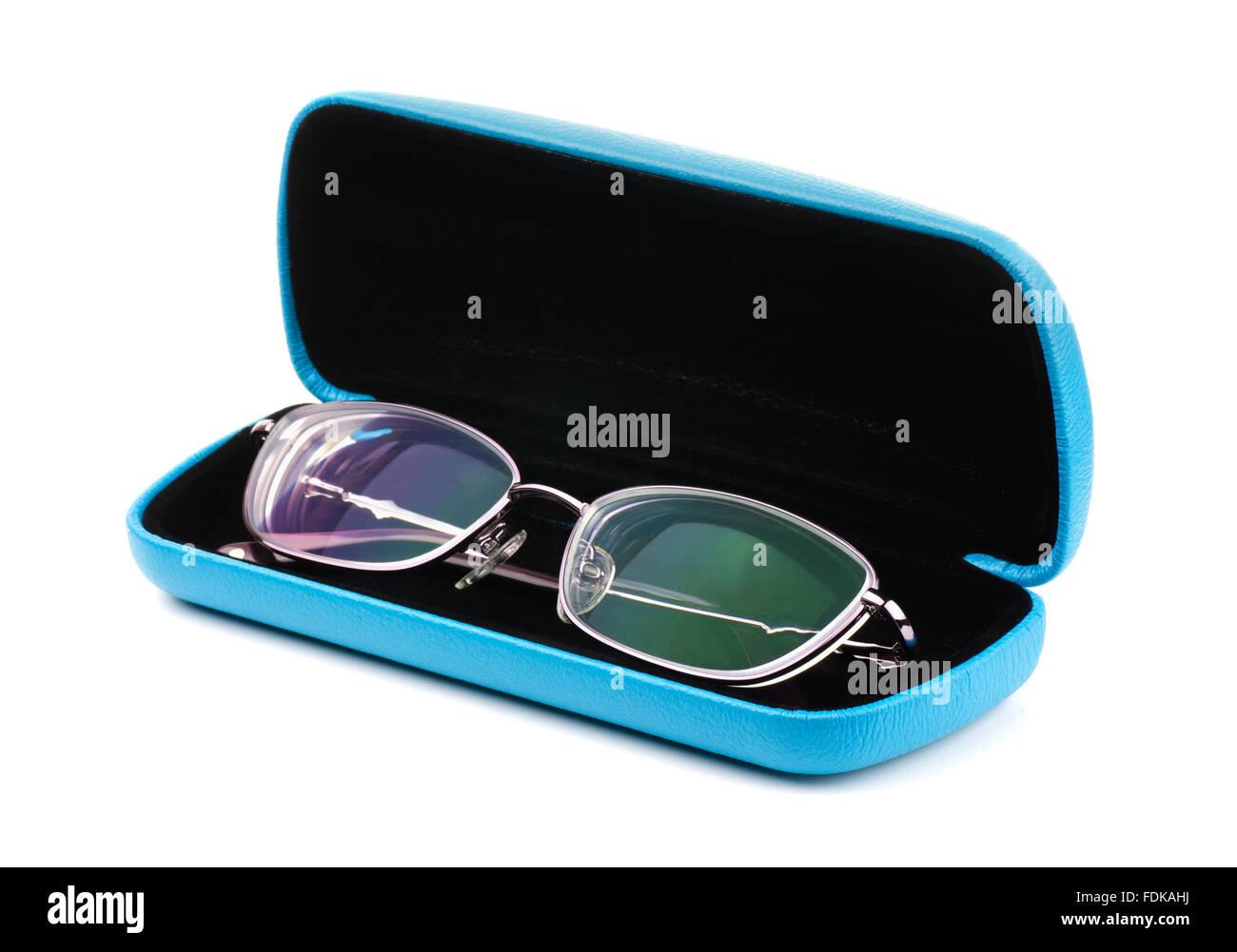Nuovi occhiali in un caso su sfondo bianco Immagini Stock