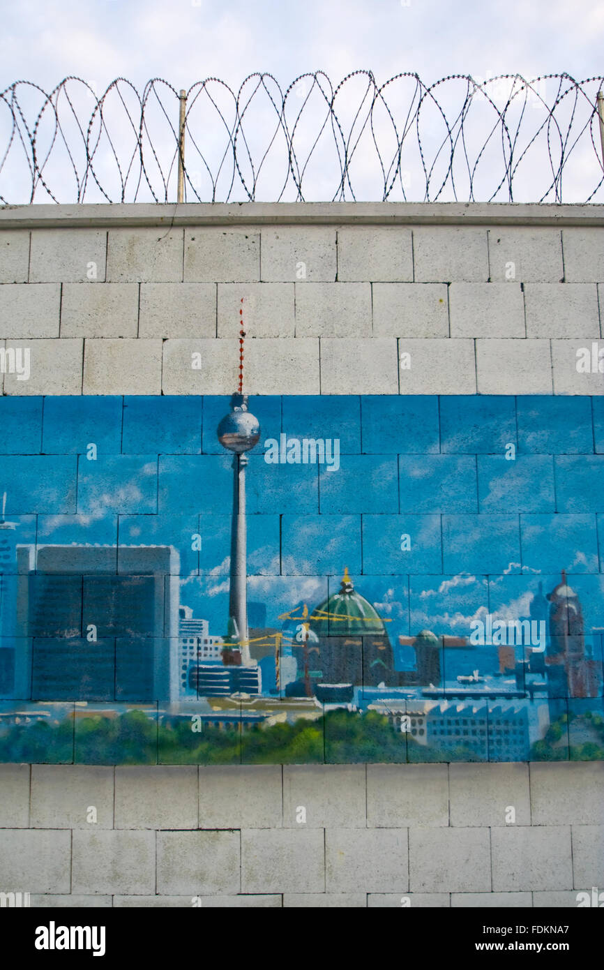 Berlino, la torre della televisione,graffiti Immagini Stock