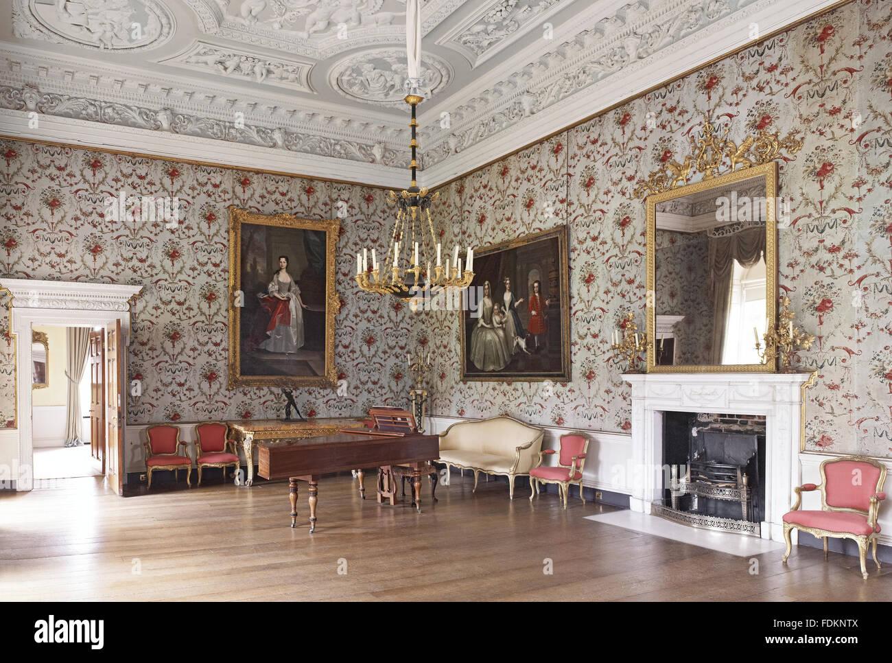Sala palladio a clandon park surrey questa stanza stato ristrutturato e riarredato intorno - Mobili stile inglese bianco ...