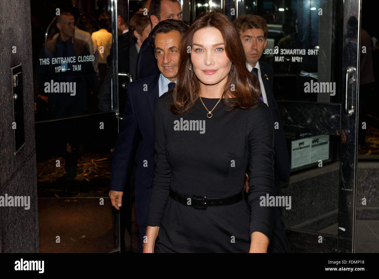 Ex Presidente Francese Nicolas Sarkozy E La Moglie Carla Bruni In New York City Foto Di Trevor Collens Foto Stock Alamy