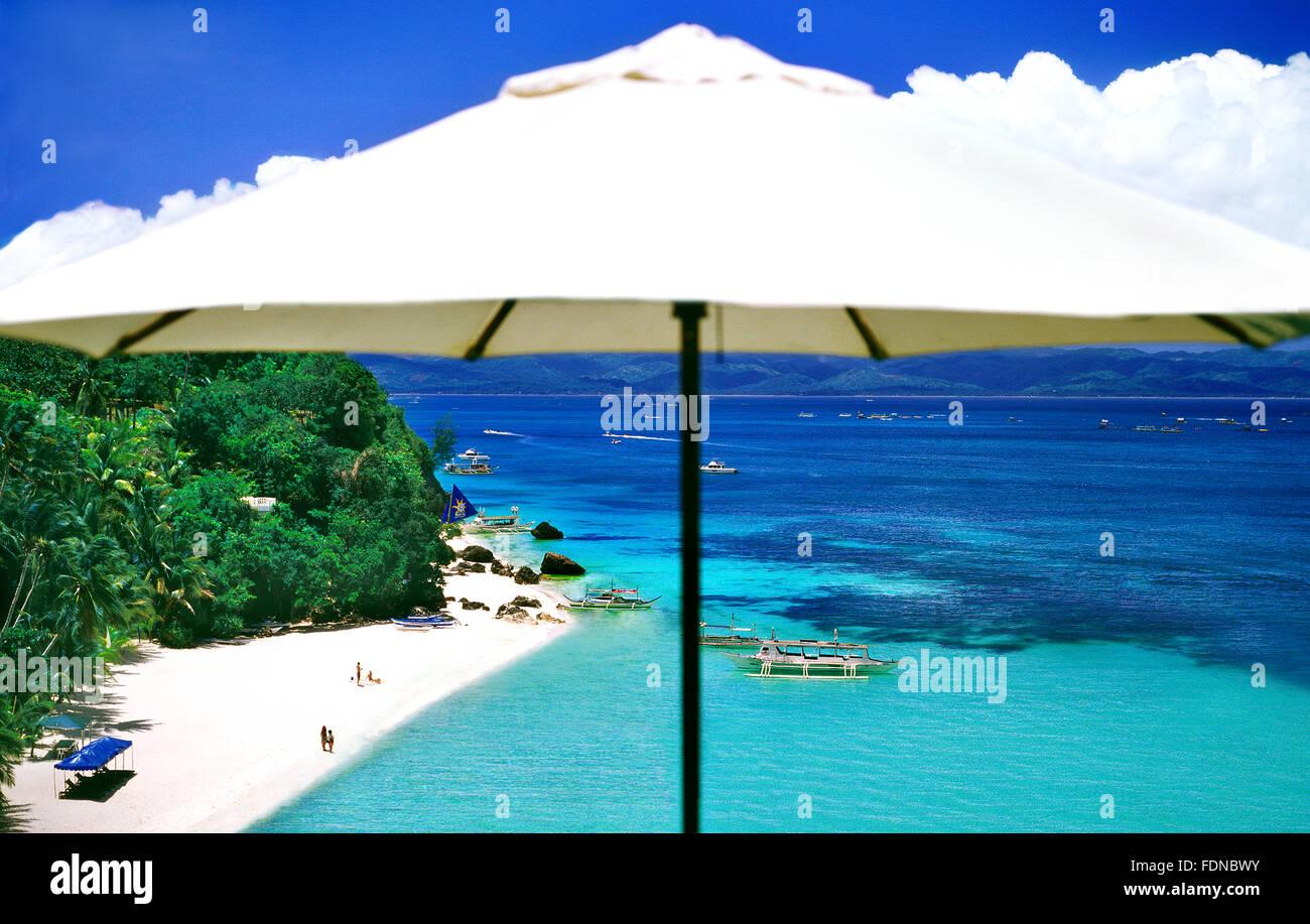 Vista della spiaggia Diniwid da Nami Boracay Resort, Boracay, Filippine, Sud-est asiatico. Foto Stock