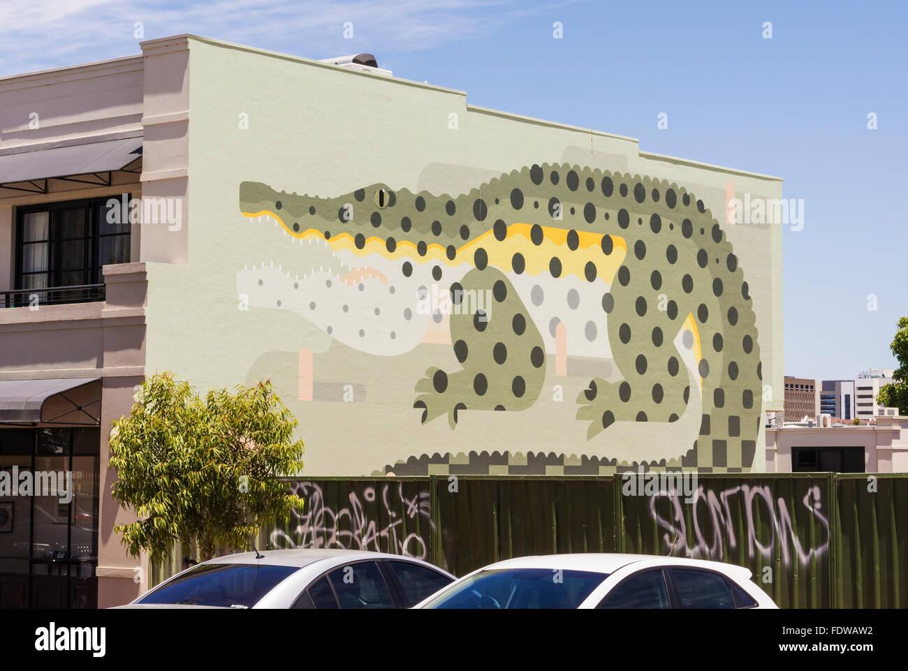 Scala grande murale di un coccodrillo sulla parete laterale di un edificio a Northbridge, Perth, Western Australia Foto Stock