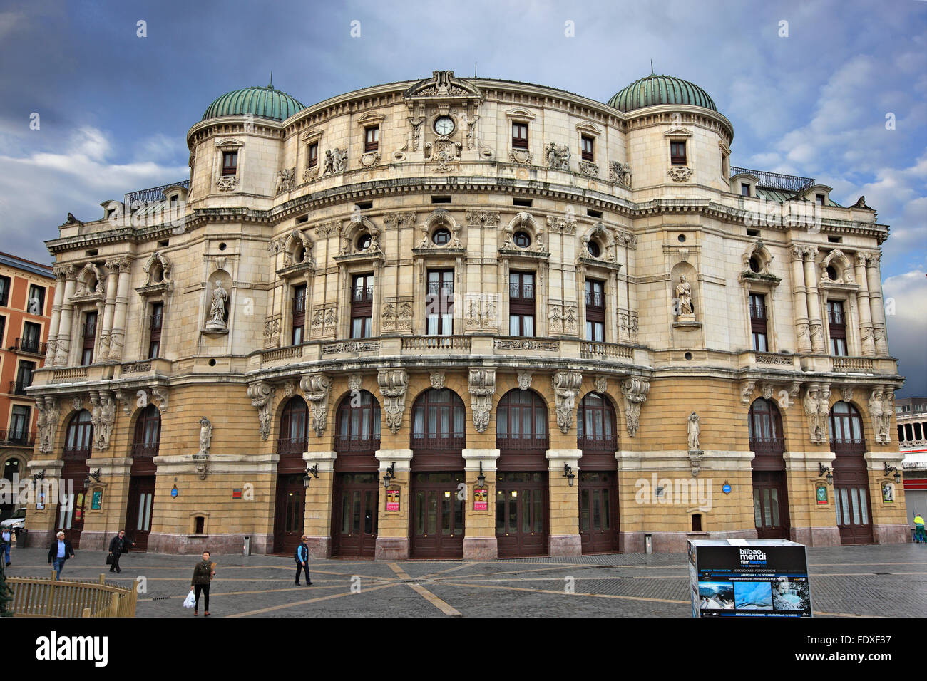La facciata del Teatro Arriaga al Casco Viejo (il quartiere vecchio) della città di Bilbao, Paesi Baschi, Spagna. Immagini Stock