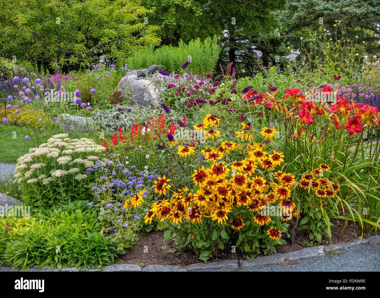 Southwest harbor maine giardini fioriti e percorsi in for Cespugli fioriti per giardino