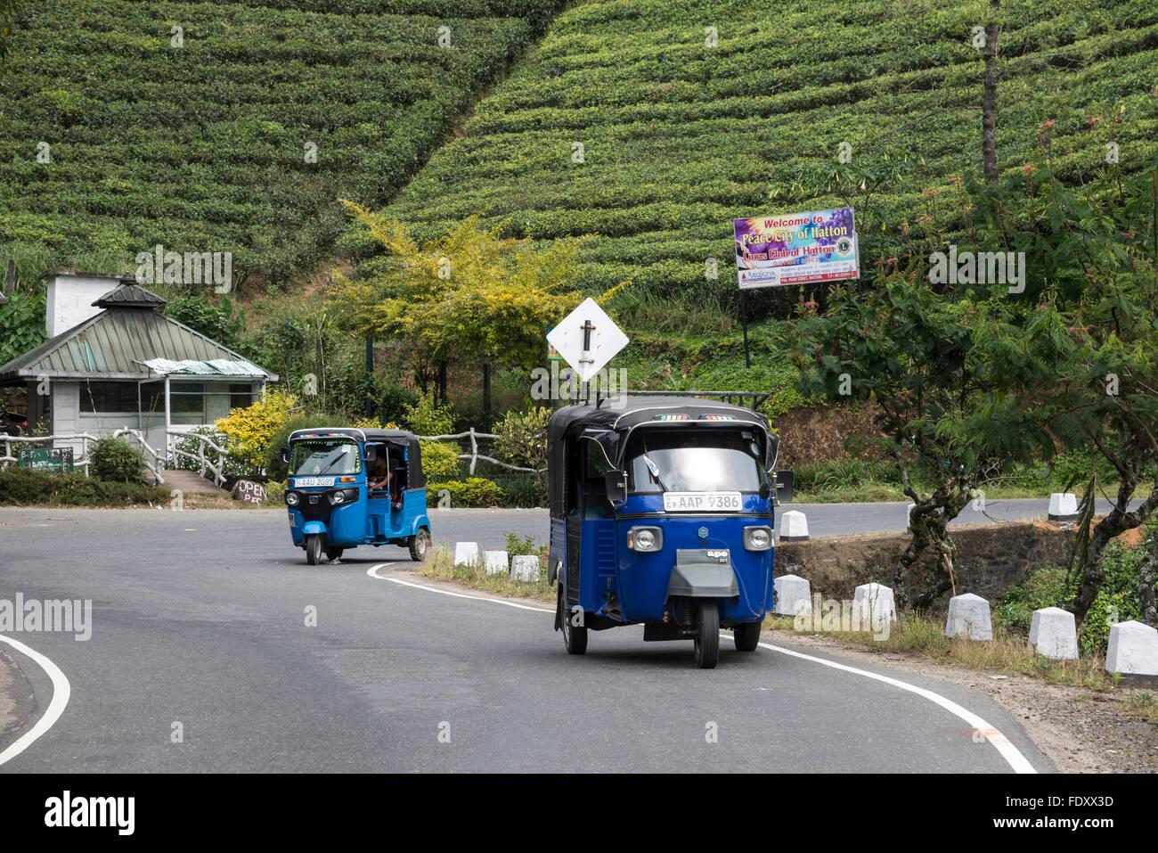 Tut-tuts o tre ruote come essi sono chiamati in Sri Lanka, forniscono un buon mezzo di trasporto per le comunità Immagini Stock