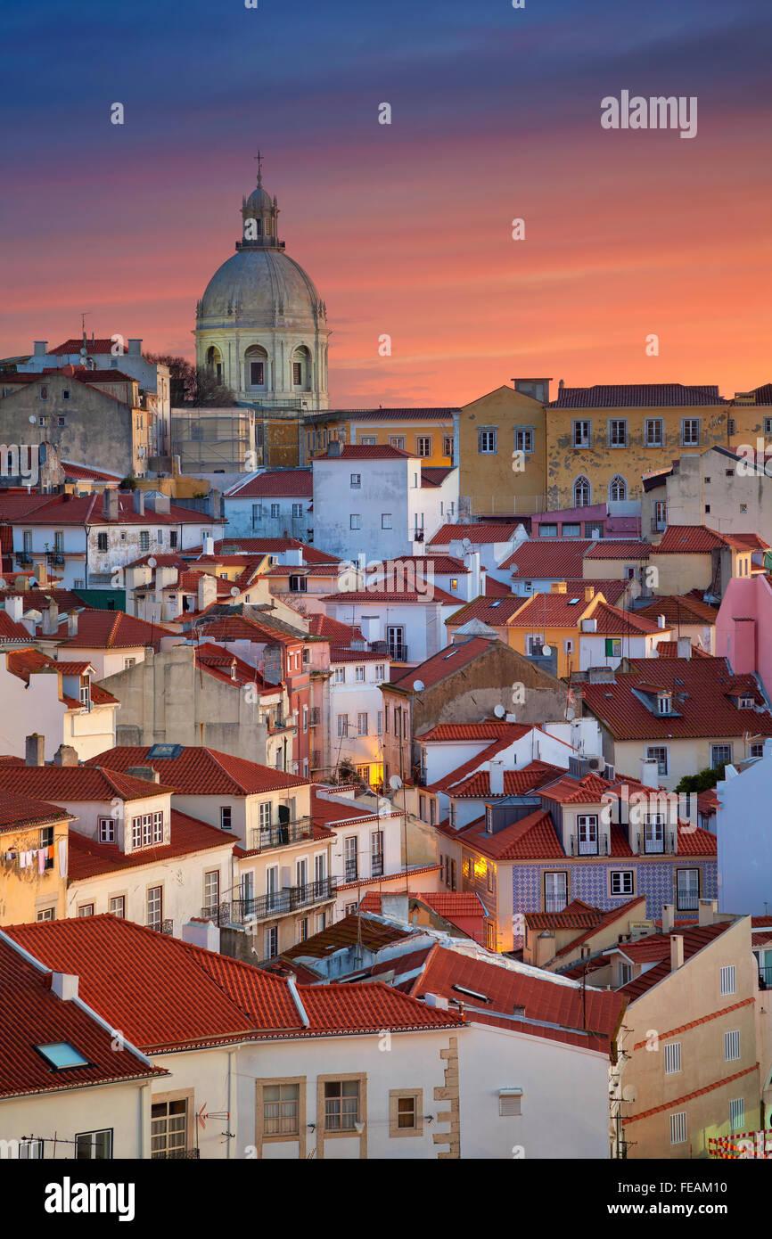 Lisbona. Immagine di Lisbona, Portogallo durante la drammatica sunrise. Foto Stock