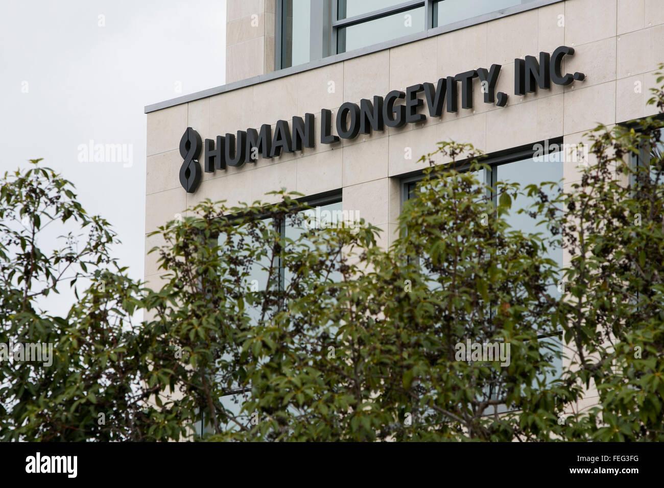 Un logo segno al di fuori della sede della longevità umana, Inc. di San Diego, in California, il 30 gennaio Immagini Stock