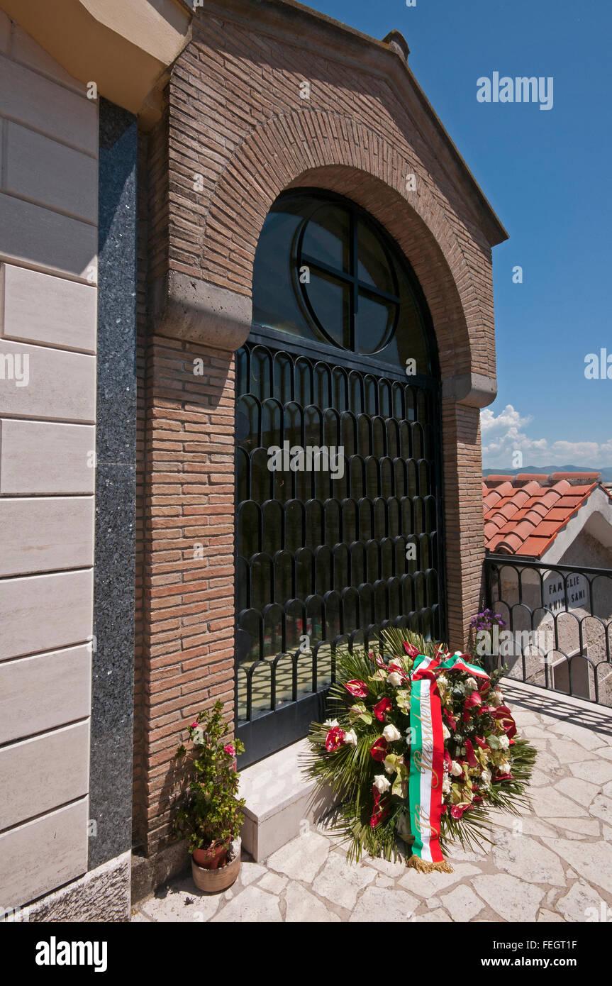 Torrita Tiberina, tomba di Aldo Moro (1916-1978), Lazio, Italia Immagini Stock